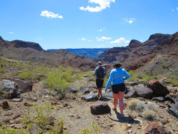 On the trail from the petroglyphs